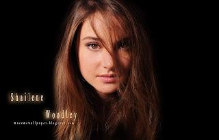 shailane woodley sexy by macemewallpaper.blogspot.com