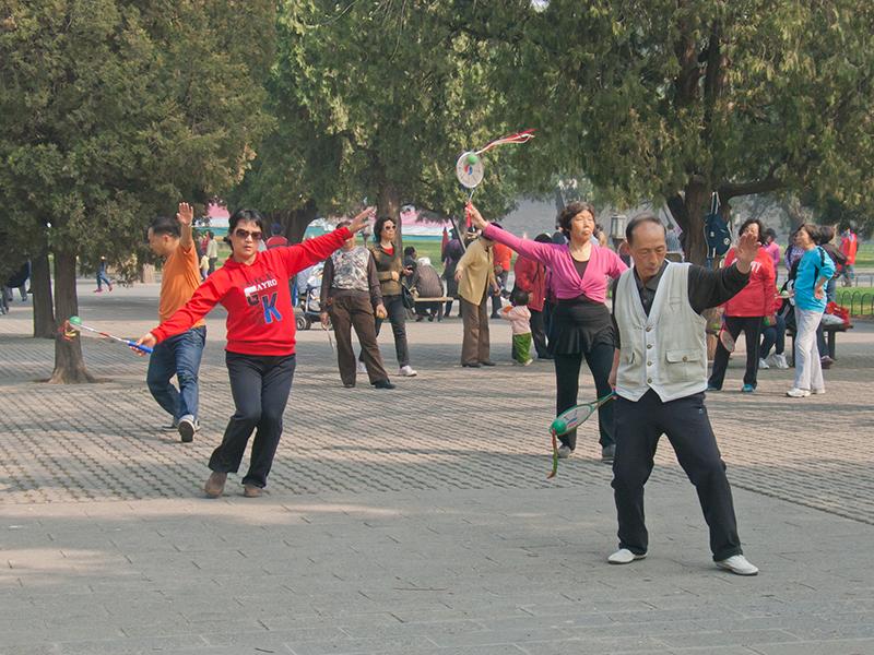 Pékinois au parc du temple du Ciel