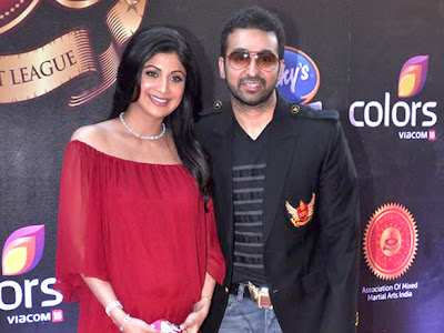 Shilpa shetty and huby snapped at Super Fight League