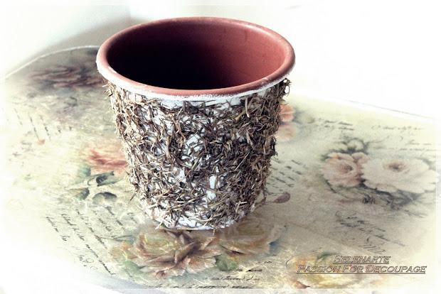 DIY Decorating Plastic Flower Pots