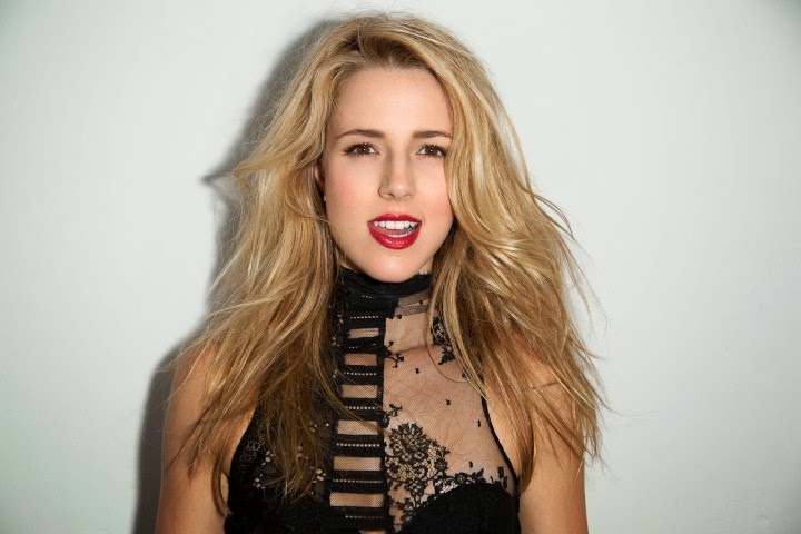 Hot Celebrity 2014 Alona Tal