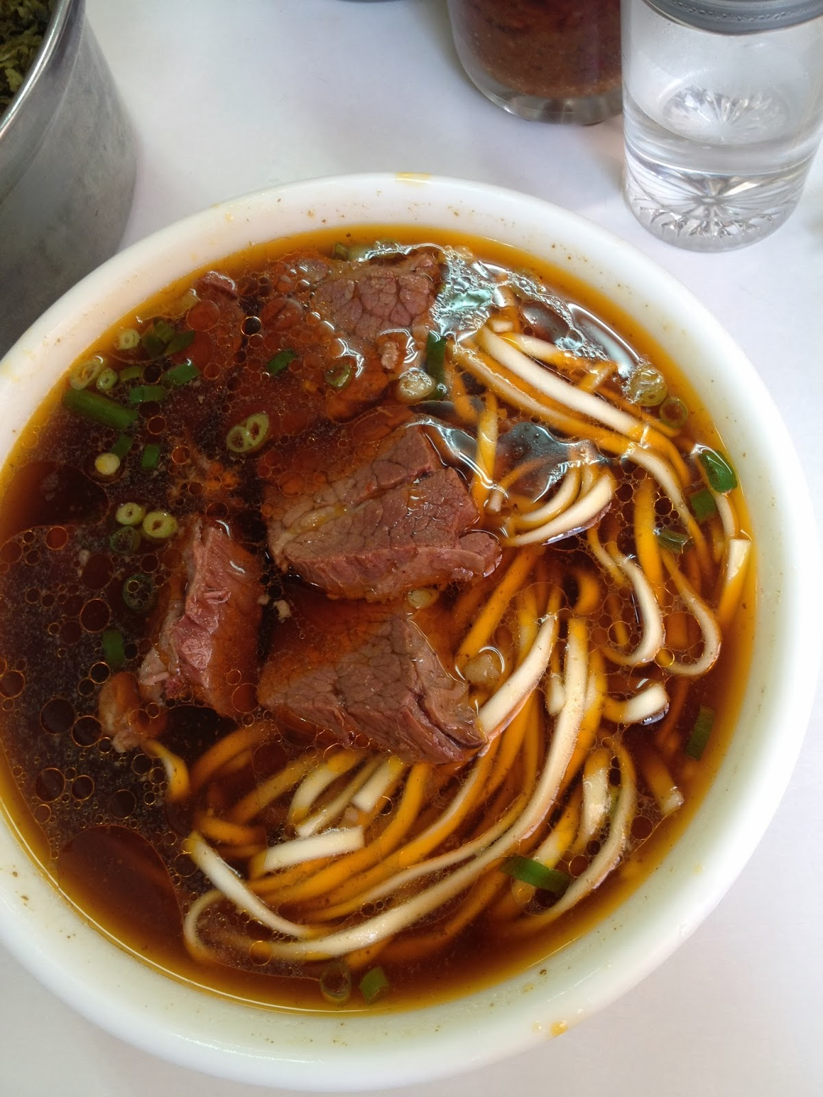 a hungry girl's guide to taipei: taiwanese/beef noodle ...