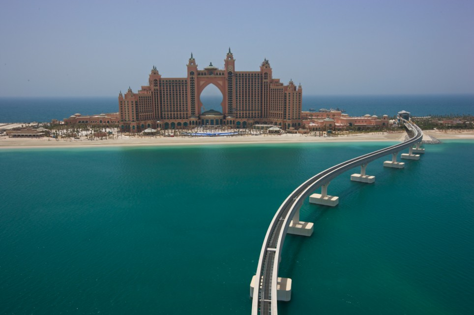 World visits luxury hotels in dubai for Top resorts in dubai