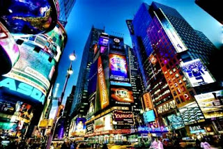 Times Square (Best Honeymoon Destinations In USA) 5