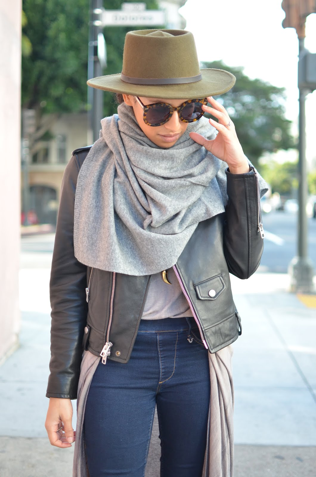 grey cashere wrap, fedora, fall layers, coach moto jacket, moto jacket, skinny denim leggings, d'orsay flats, cool look