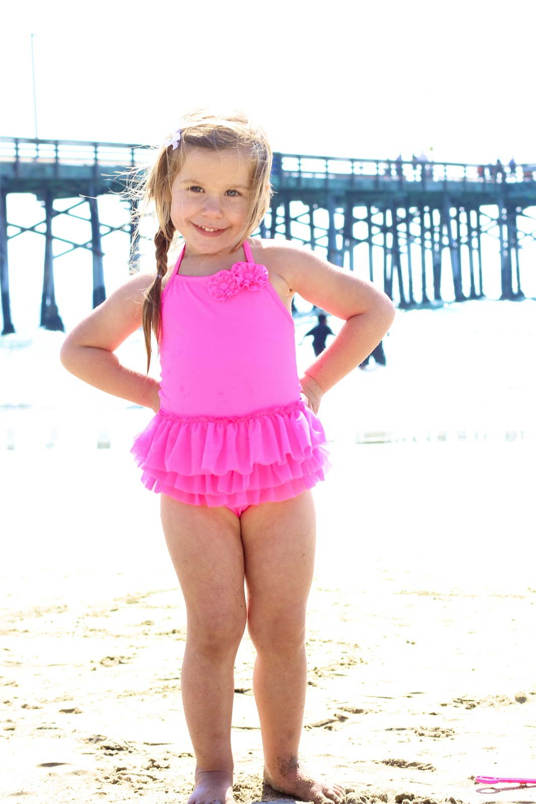 little girl loses bathing suit