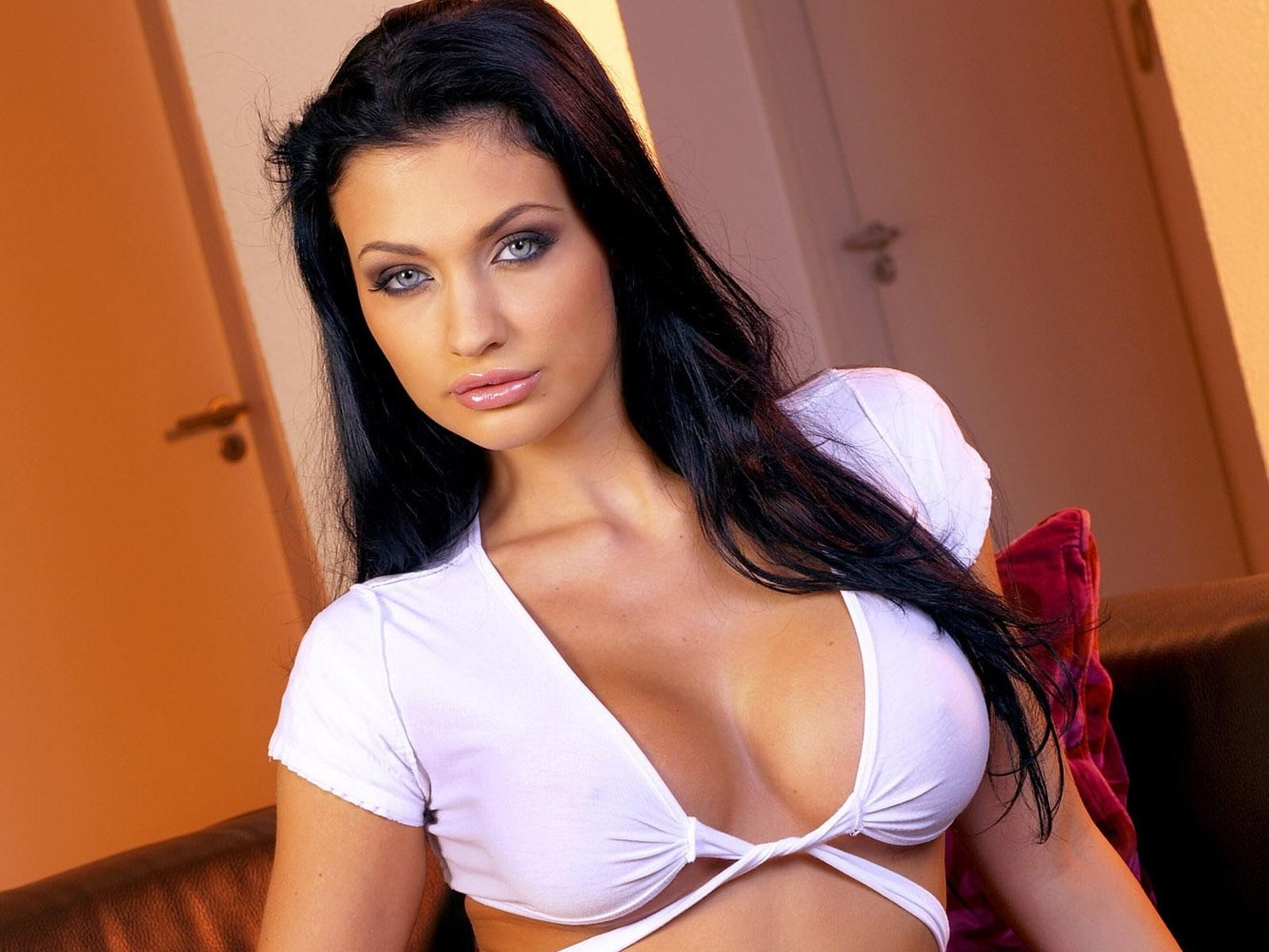 Sexy Aletta Ocean HD Wallpapers