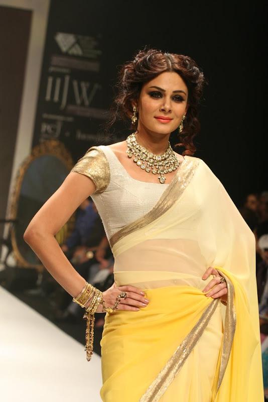 Bidita Bag Walked The Ramp Ror Manubhai Gems Gallery unseen pics