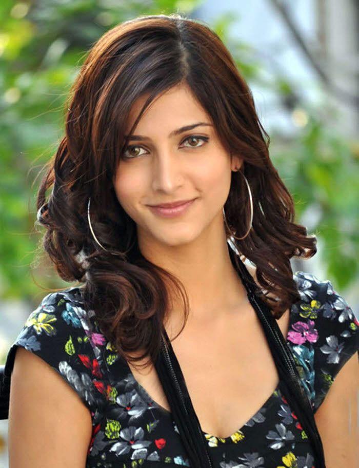 http://3.bp.blogspot.com/-7Yqqrswt7N4/TgresmqOFVI/AAAAAAAAFGU/tXfXYX3ujDE/s1600/Shruthi+Hasan+0.jpg