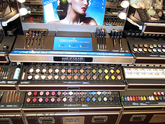 Boutique Make Up For Ever au Sephora Ste-Catherine - Fards à paupières