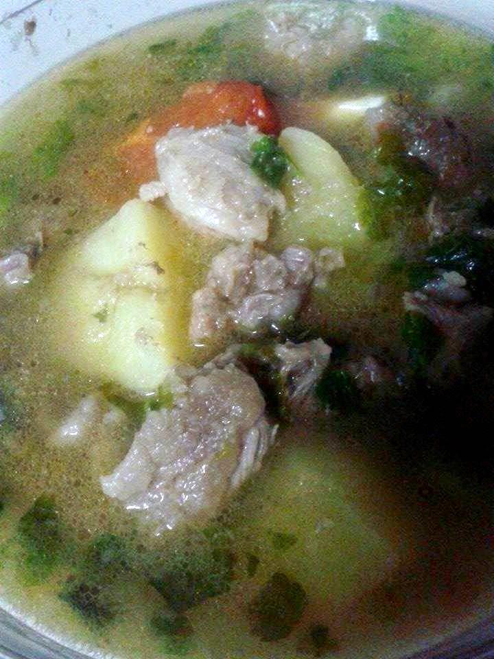 Resepi Sup Daging Dengan Tomato Yang Mudah