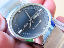 MIDO COMMANDER BLUE GRADATION DIAL - OVAL CASE - AUTOMATIC - NEW OLD STOCK(NOS)