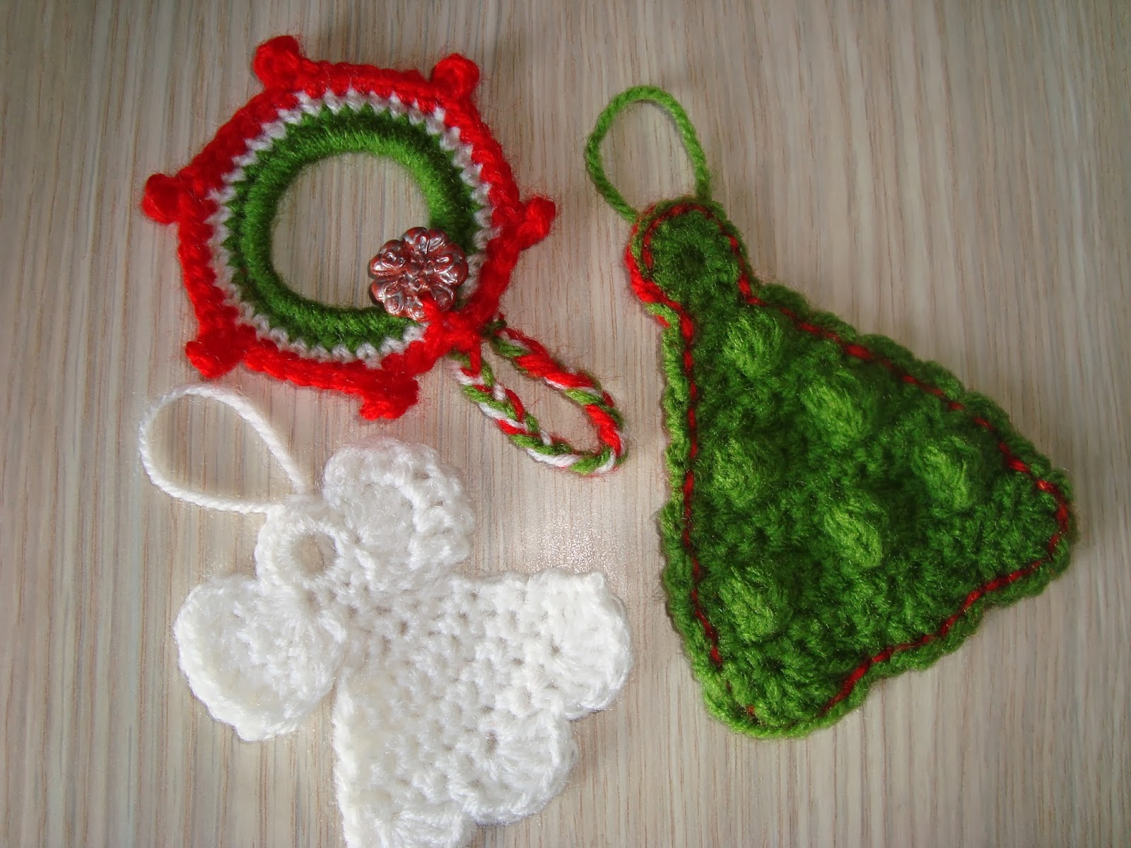 Crochet Patterns For Xmas Stockings : handmade by camelia pattern three ornaments crocheted for christmas