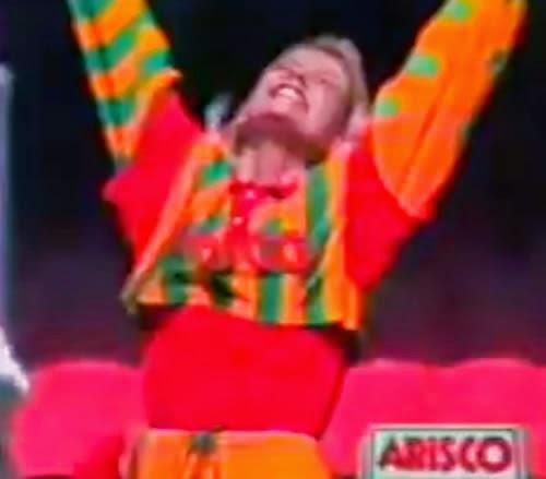 Propaganda da Arisco em clima de Copa do Mundo com Xuxa e Paquitas, em 1994.