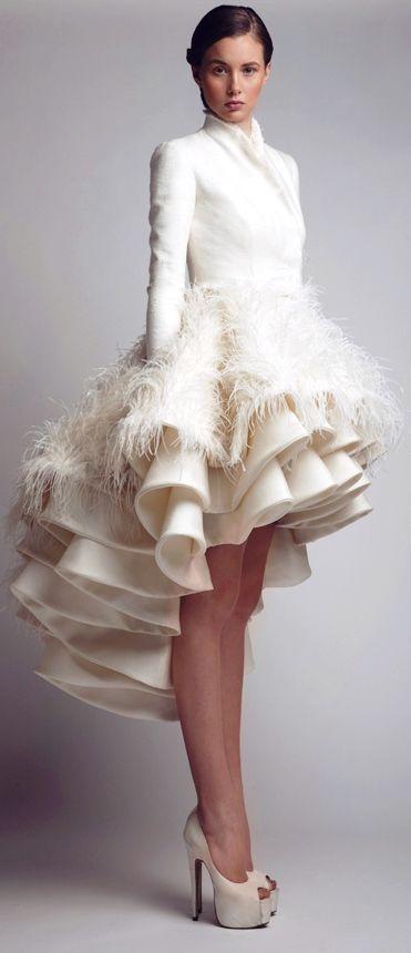 mila flats: - - vestidos de novia poco convencionales - -