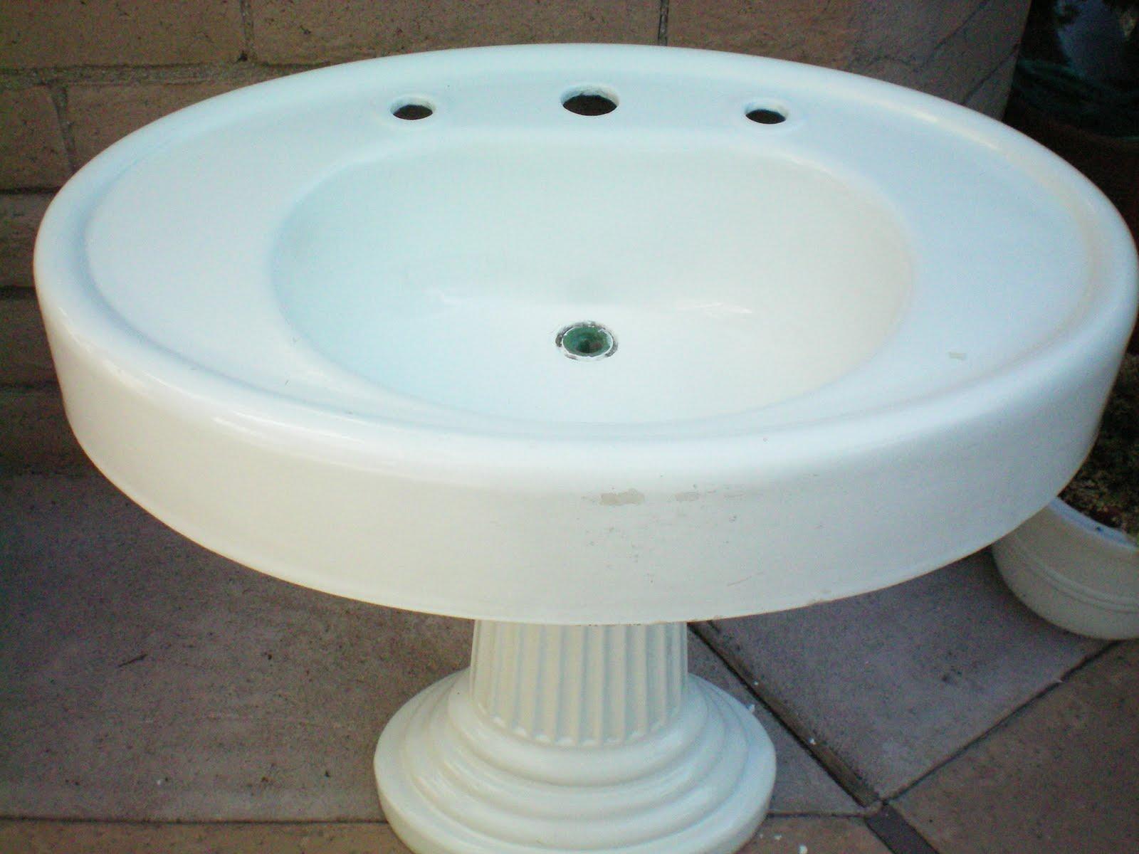 Oval Pedestal Sink : ... ca 1910 standard mfg co oval pedestal sink on fluted column 33 x 24