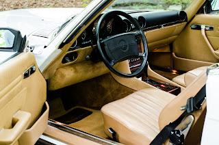 32 Mercedes-Benz 560SL R107 1988