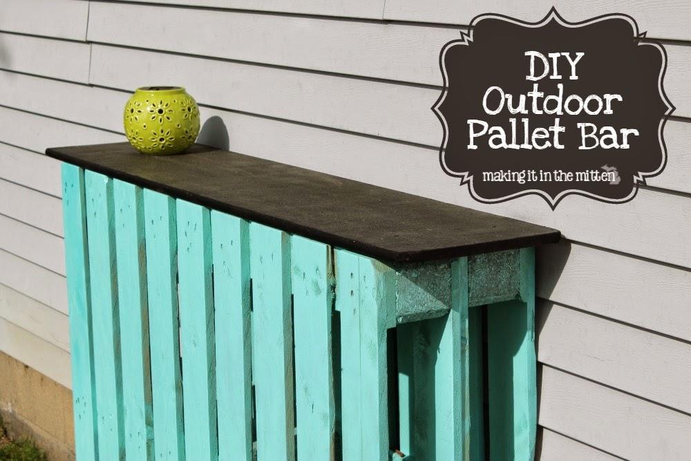 Making It In The Mitten DIY Outdoor Pallet Bar