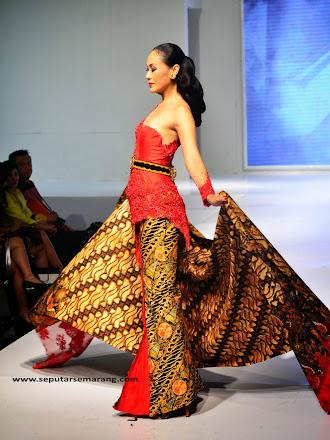 Kebaya batik Anne Avantie