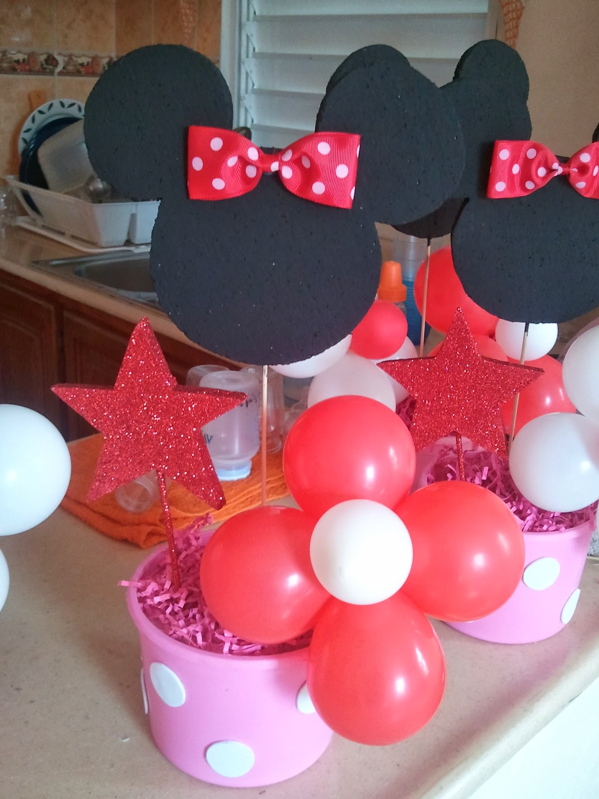 Diy minnie mouse birthday decor image inspiration of for Baby minnie mouse decoration ideas