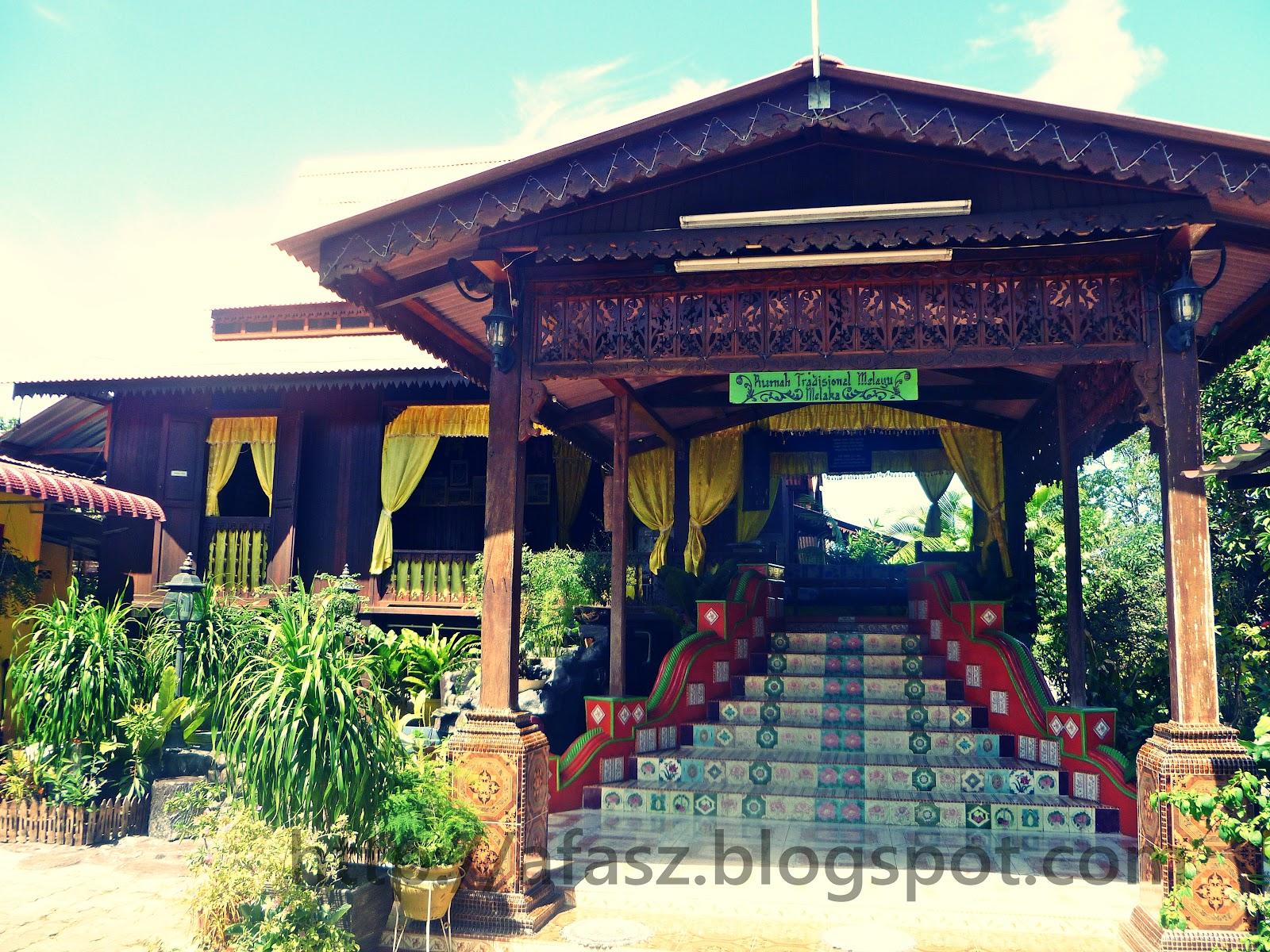 Rumah Kampung Di Malaysia