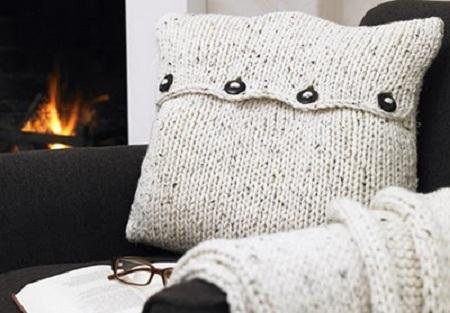 Ideas para reciclar ropa de lana accesorios y decoraci n reciclados - Cojines de lana ...