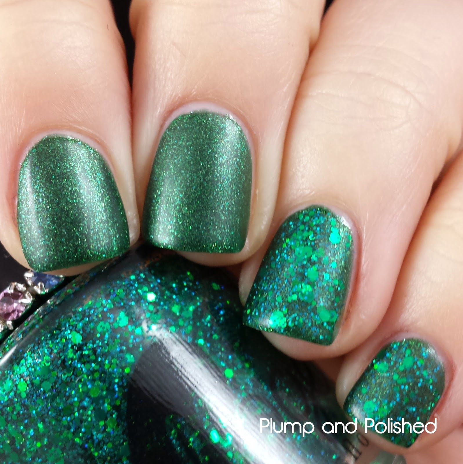 ellagee - Sparkling Gemstones: Glimmering Emerald and Crushed Emerald