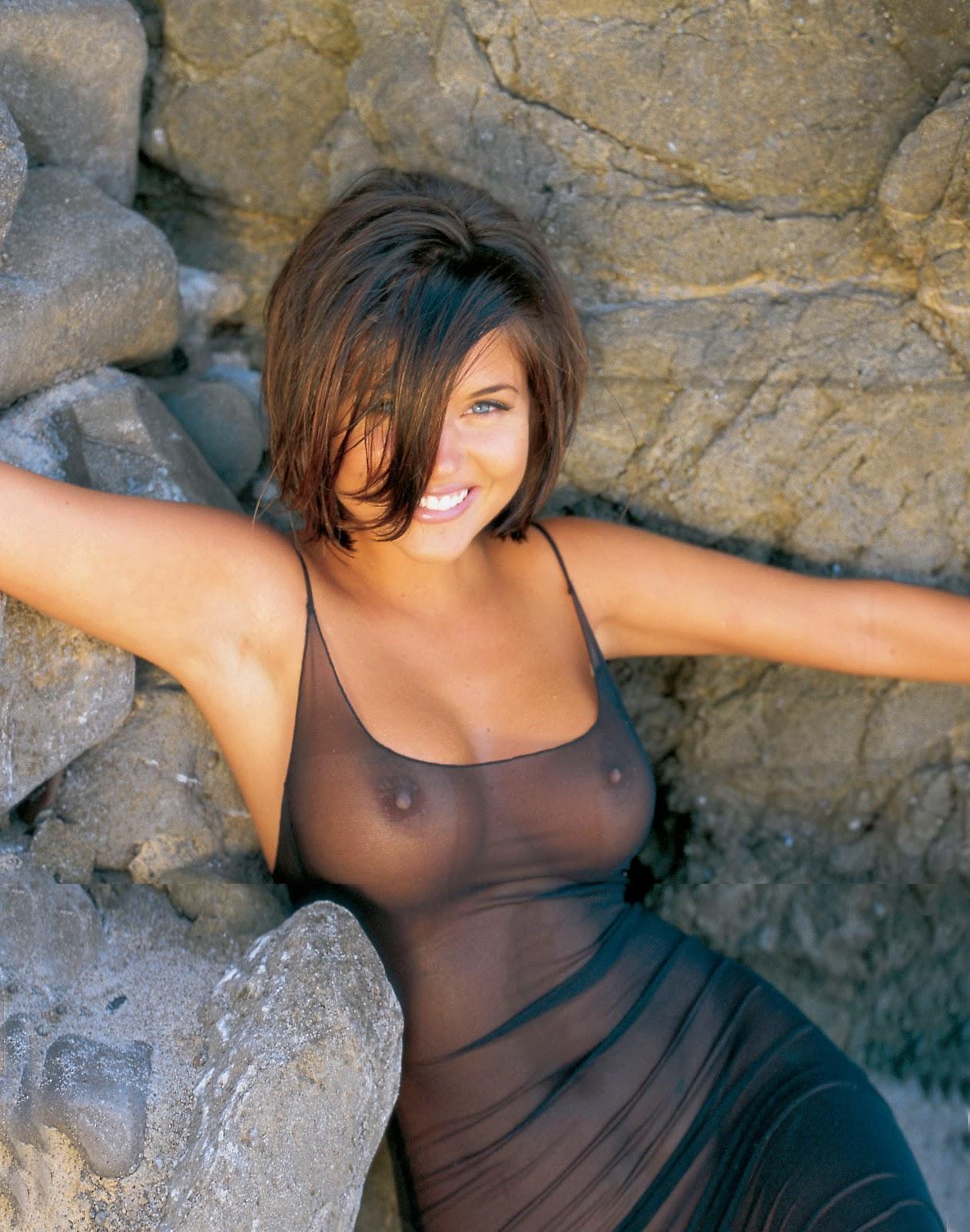 Nude photo of tiffani thiessen apologise, but