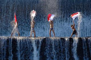 Puisi Kemeredekaan Indonesia Tanah Tumpah Darahku