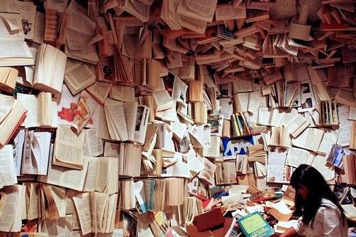 Quem ai  gosta  de ler? Eu  amoooo