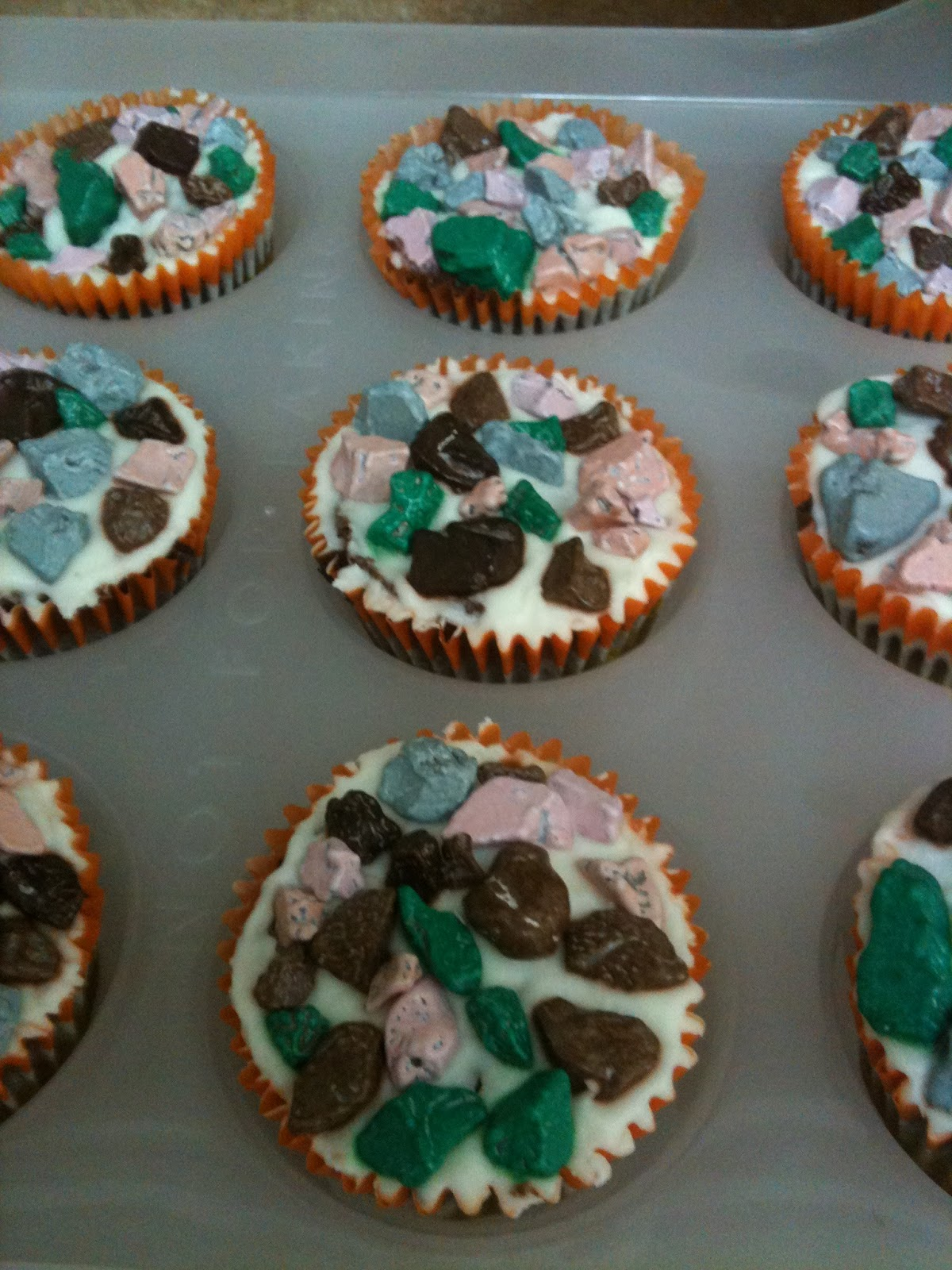 Butterflies And Bees Dinosaur Fossils Cake And Cupcakes
