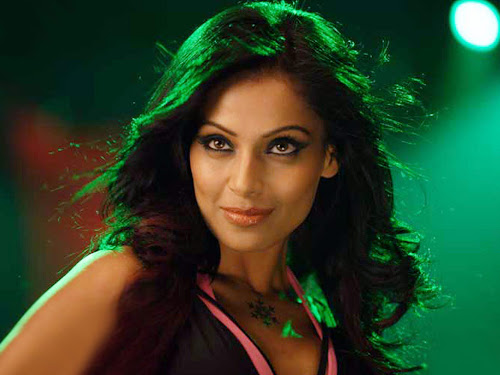 Bipasha Basu Beautiful Eyes Wallpapers