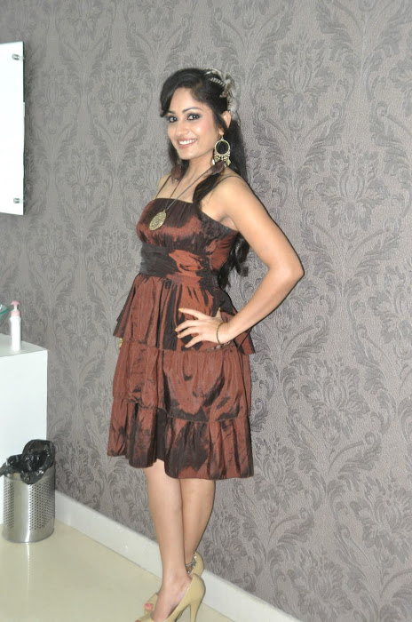 madhavi latha at naturals spa launch hot images