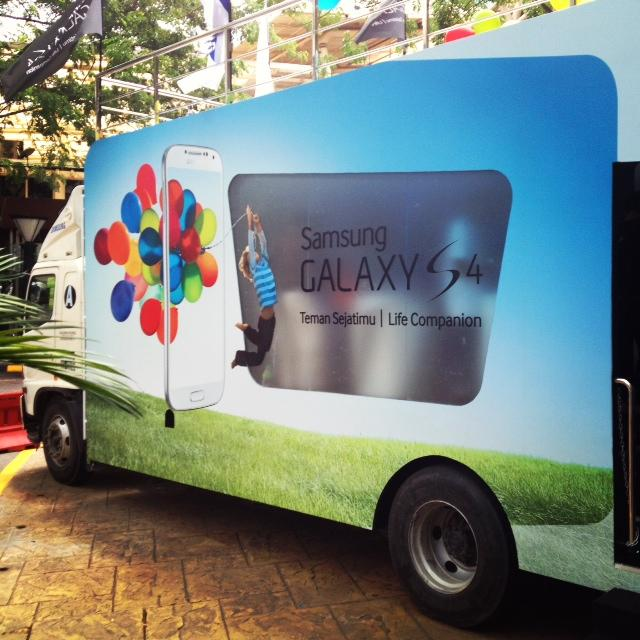 Inside the Galaxy Truck, Galaxy S4 were showcased to the public