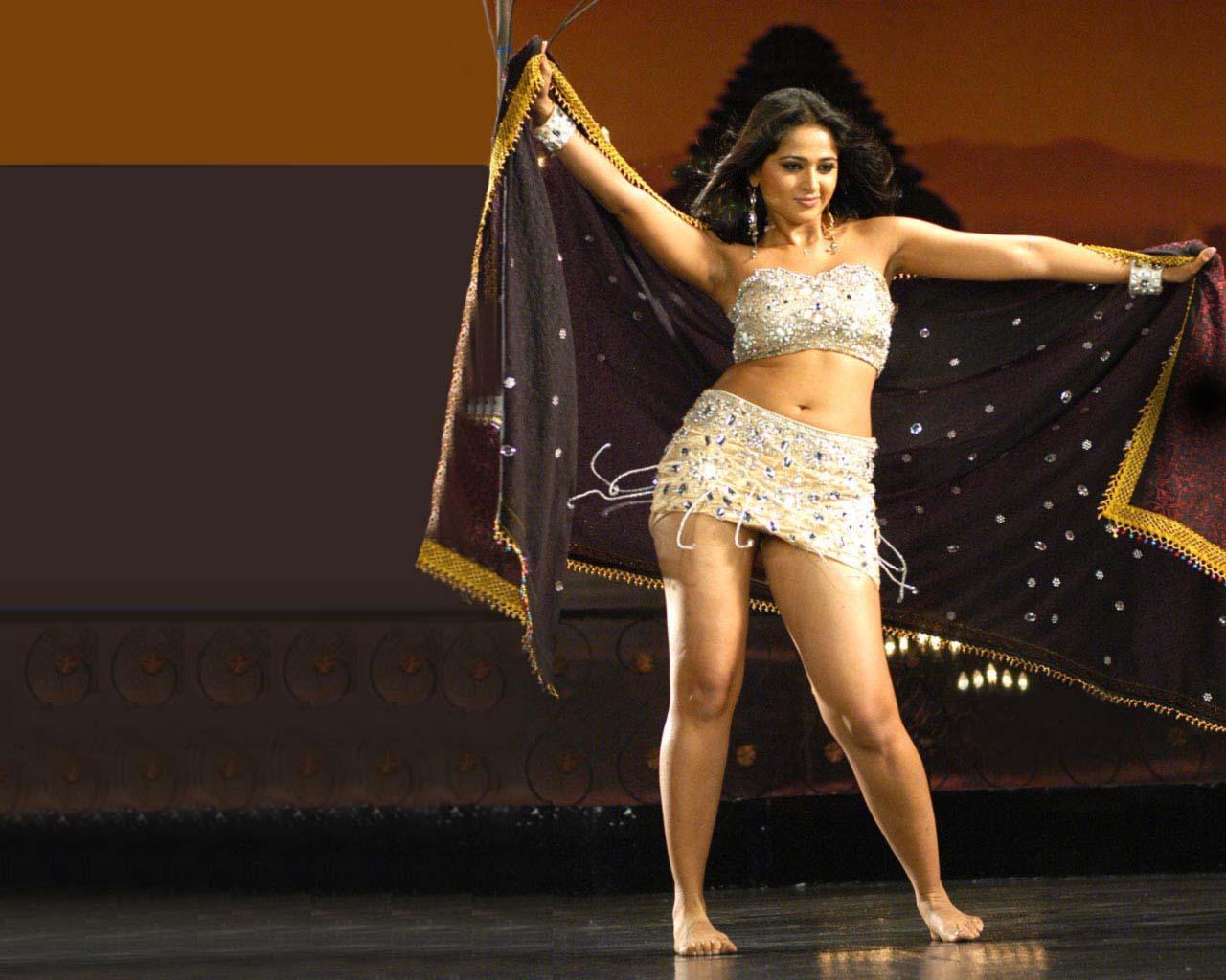 http://3.bp.blogspot.com/-7atJIPIeI04/T7wGxvcp1gI/AAAAAAAAAp4/9J-VloqXipk/s1600/anushka-shetty-hot-photos.jpg