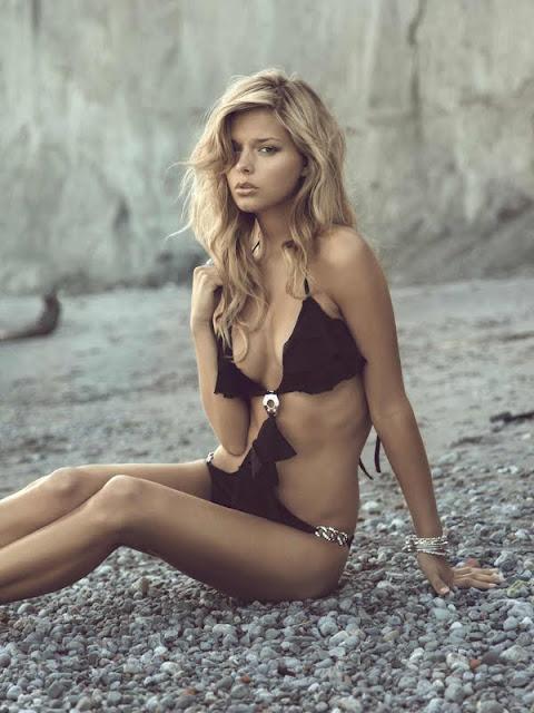 Danielle Kn – Zeugari Bikini Photoshoot