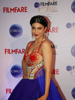 Shruti Haasan sizzling at Filmfare Glamor Awards-cover-photo