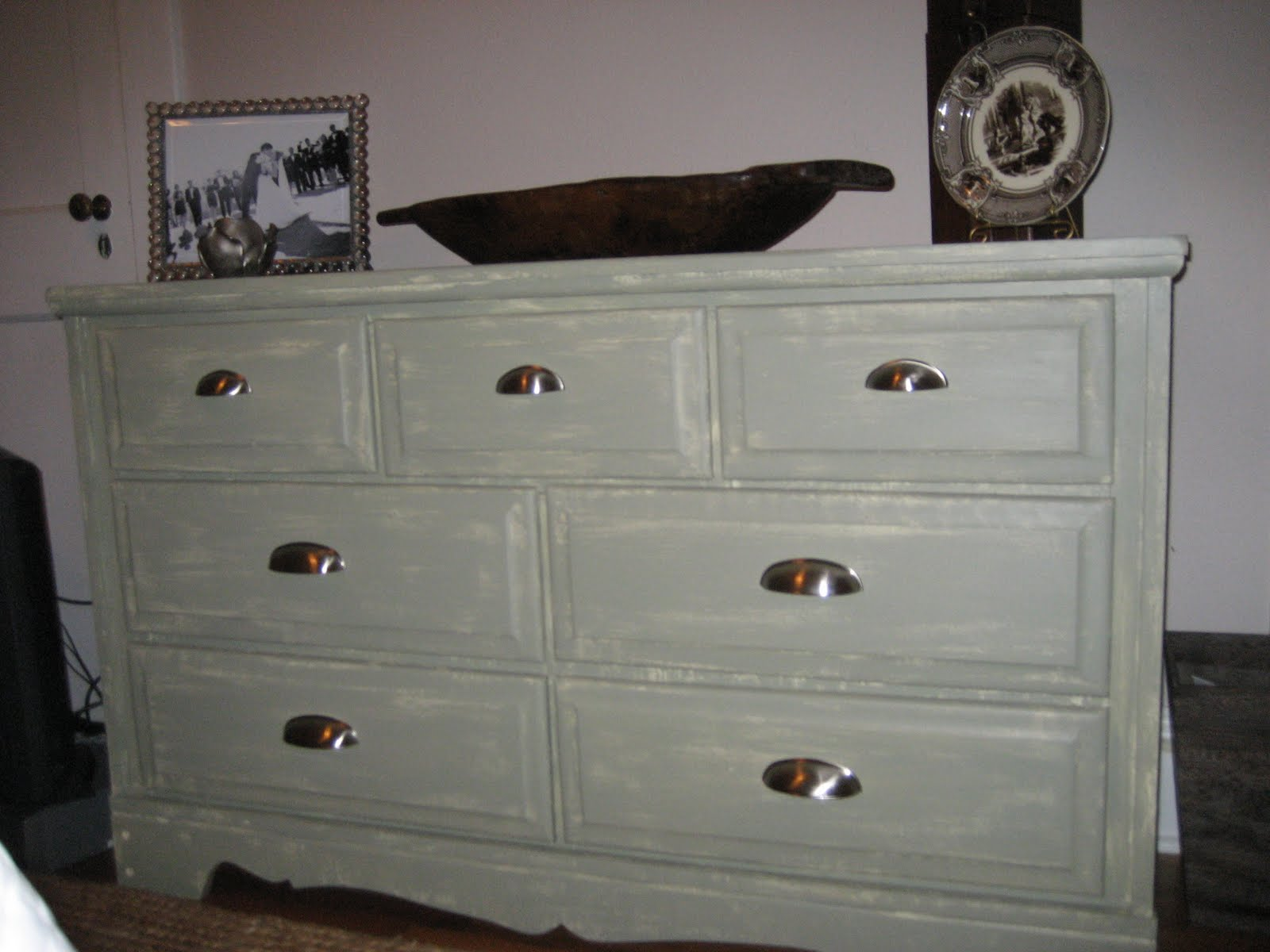 """Two Designing Women """"Upcycling"""" Furniture"""