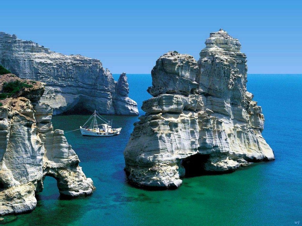 http://3.bp.blogspot.com/-7bugE9L_0f4/TgEi5Y1q-2I/AAAAAAAAAFY/wUvZdKI1kmc/s1600/Landscapes--Milos-Island-Greece.jpg