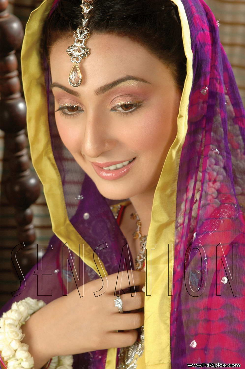 pakistan: pakistani female model ayesha khanayesha khan