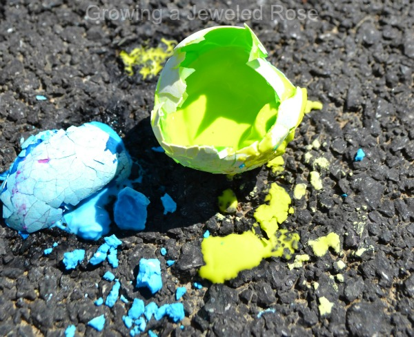 sidewalk egg crack painting