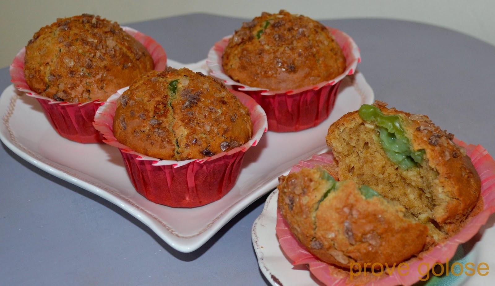 muffin al cocco con cuore di crema alla menta