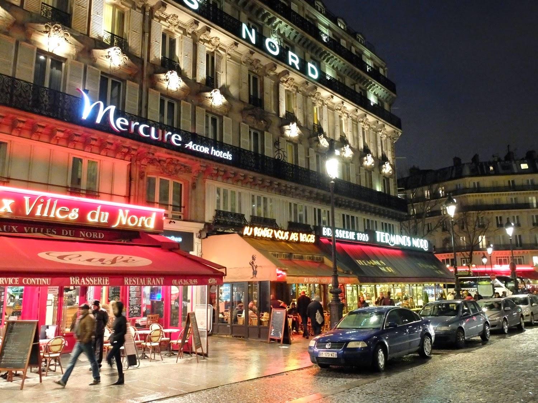 Hôtel Mercure  néons gare du Nord rue de Dunkerque Paris ThatsMee.fr