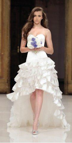 Os vestido de noiva mullet ainda permite as noivas que gostam de