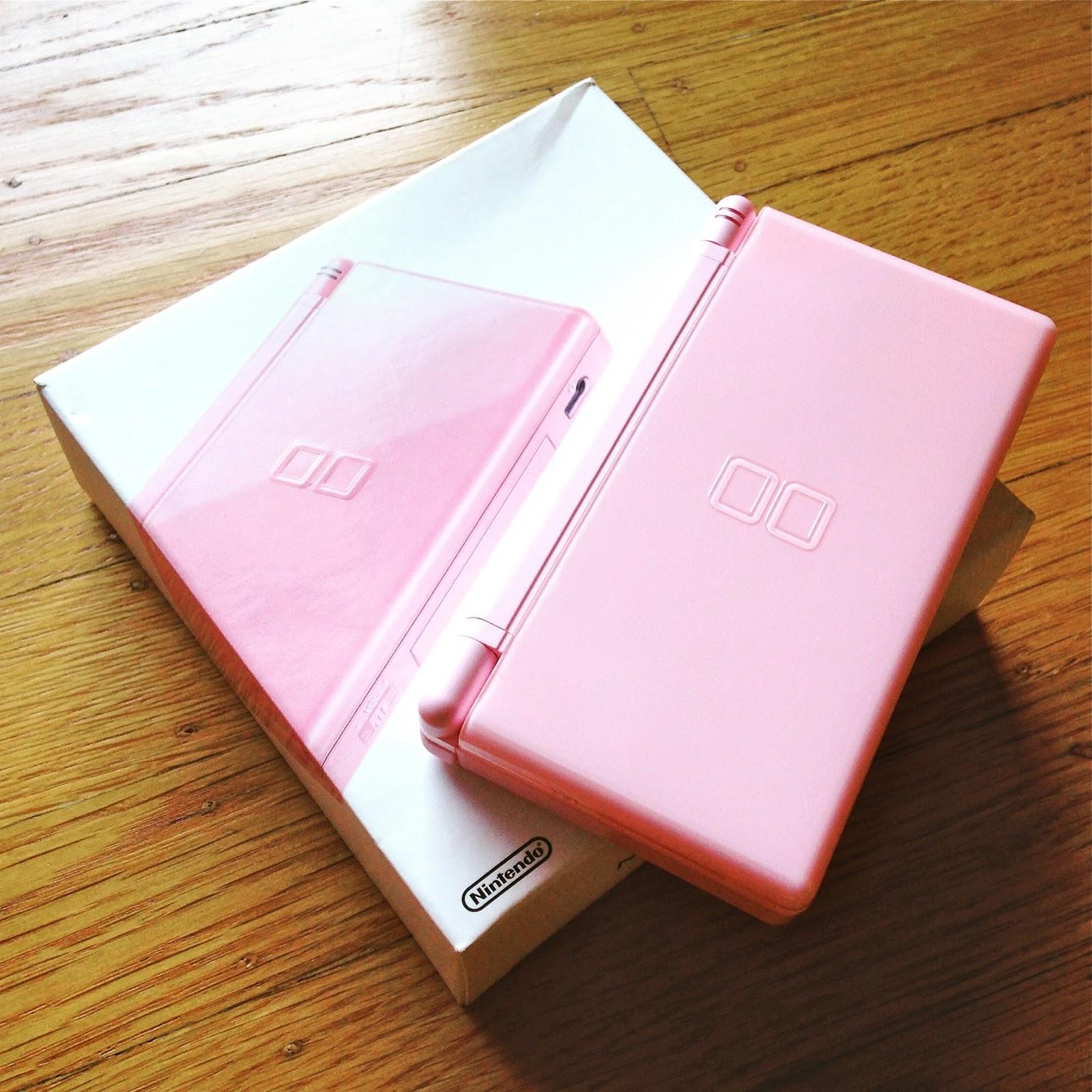 the gay gamer nice package 39 noble pink 39 nintendo ds lite. Black Bedroom Furniture Sets. Home Design Ideas