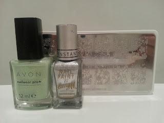 avon-honeydew-dazzle-nail-art-stamping