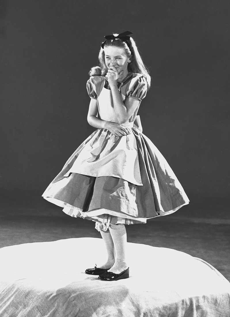 12-Kathryn-Beaumont-Secrets-Behind-1950s-Alice-in-Wonderland-Cartoon-www-designstack-co