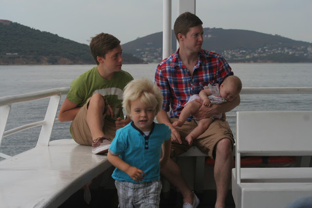 Anton, Ruskin, Chris and Neve on the boat to Bostancı