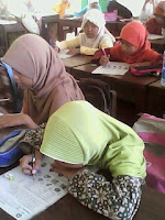 murid sdii al-abidin, study english in sdii al-abidin, menulis, kelas, belajar