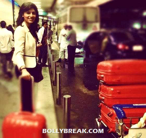 Vanya Mishra Leaving For Miss World 2012 -  Vanya Mishra Miss World 2012 Pics rom China